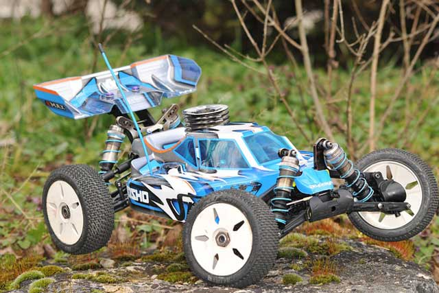 rc-car-on-the-ground