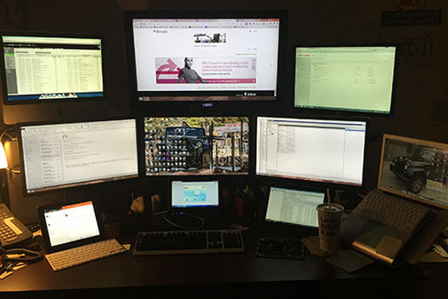 monitors-connected-with-imac
